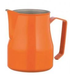Питчер оранжевого цвета